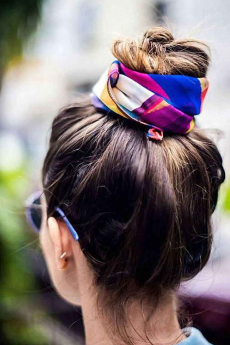 Ditch the dry shampoo: 3 easy hairstyles that hide greasy roots hairstyles when your hair is greasy - HairStyles Bandana Hairstyles, Braided Hairstyles, Cool Hairstyles, Fashion Hairstyles, 1940s Hairstyles, Trending Hairstyles, Updo Hairstyle, Braided Updo, Hairstyles Haircuts