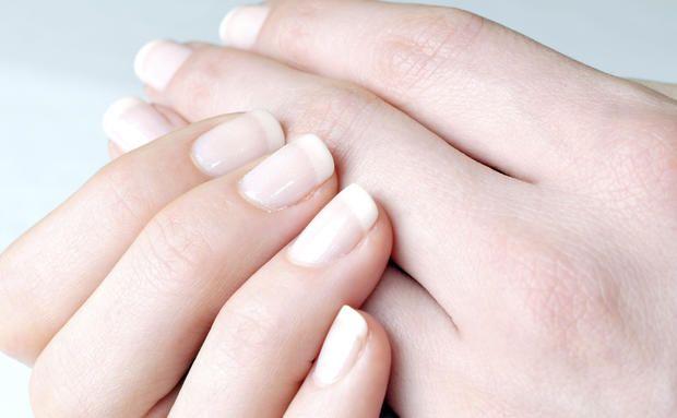 Strahlend weiße Nägel wollen wir alle!