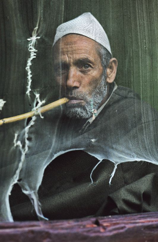 Srinagar, Kashmir, 1999. Photo Steve McCurry