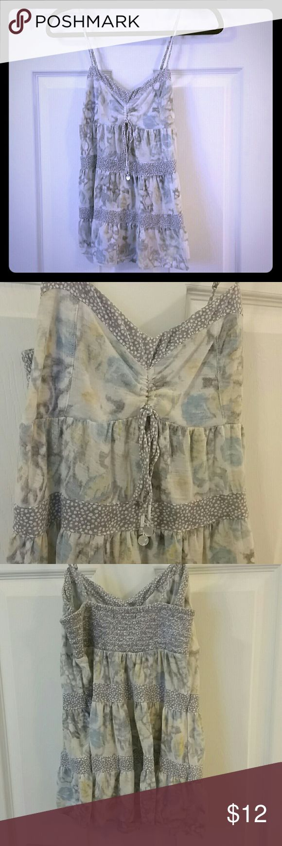 AEO Yellow & Gray Floral Cami American Eagle Outfitters Floral cami. Adjustable straps. Baby doll fit. Size medium. 80% polyester 20% linen. American Eagle Outfitters Tops Camisoles