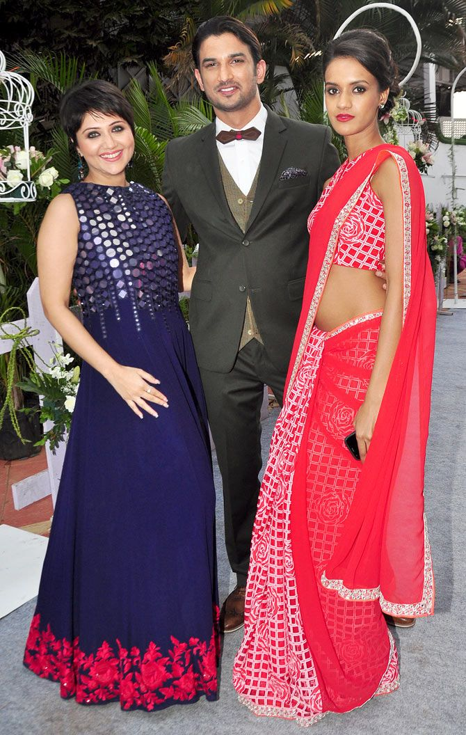 Sushant Singh Rajput snapped with his 'Detective Byomkesh Bakshy!' co-stars Swastika Mukherjee and Divya Menon at the Mahalaxmi Race Course. #Bollywood #Fashion #Style #Handsome #Beauty