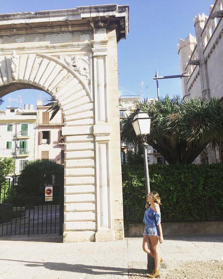Soñar, visualizar, proyectar y cumplir tus metas✨ #STOPCOMPLAININGIDO #mallorca #spain #europe #castle #travel #happiness #remember
