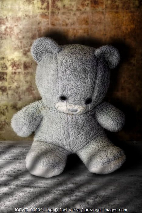 www.arcangel.com - little-bear-stuck-with-sad-look