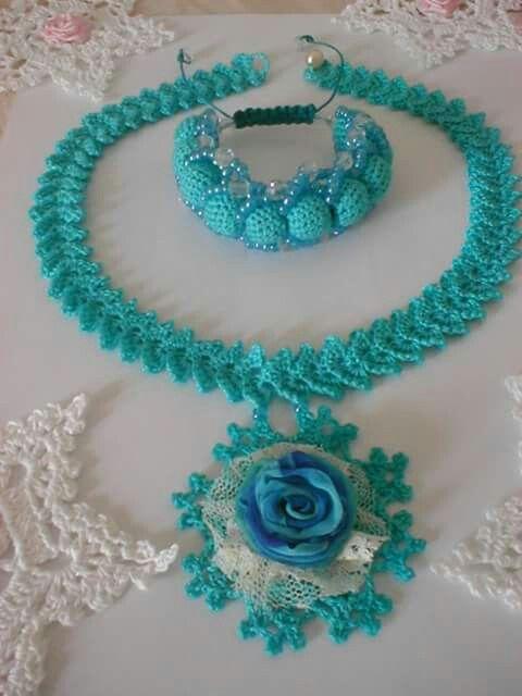 Crocheted necklace and bracelet create by Babu Szabo