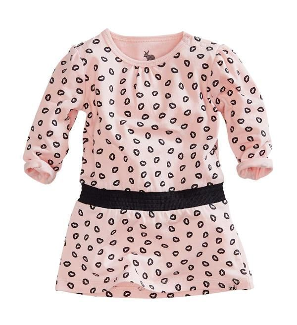 Z8 Newborn jurk Poekie met all over print. Deze jurk heeft lange mouwen en een ronde hals.     Dit item komt uit de Z8 baby newborn collectie  najaar/winter 2017/2018. Shop de complete Z8 babykleding direct online @ https://www.nummerzestien.eu/z8-newborn/baby-meisjes/