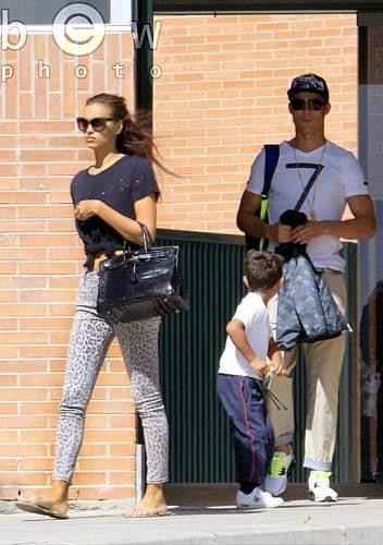 Family Cristiano Ronaldo and Irina Shayk