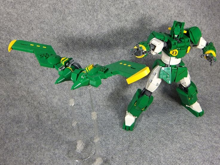Kantam Robo from Crayon Shinchan, built by LEGO DOU Moko.