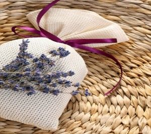 Make Sachets With Potpourri And Essential Oils