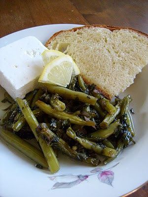 Fagiolini cotti (brasati) con limone ( Φασολάκια Λαδερά με Λεμόνι) - Fasole verde cu lamiie - Braised Green Beans with Lemon