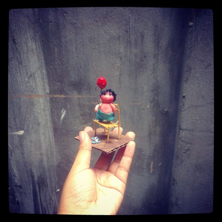Kid with red balloon #clay