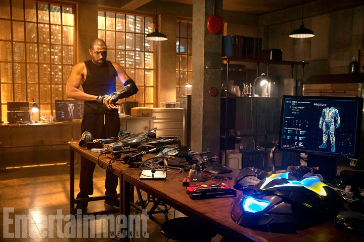 Black Lightning s Cress Williams honored by 'historical undertaking of suiting up #Celebrity #black #cress #historical #honored