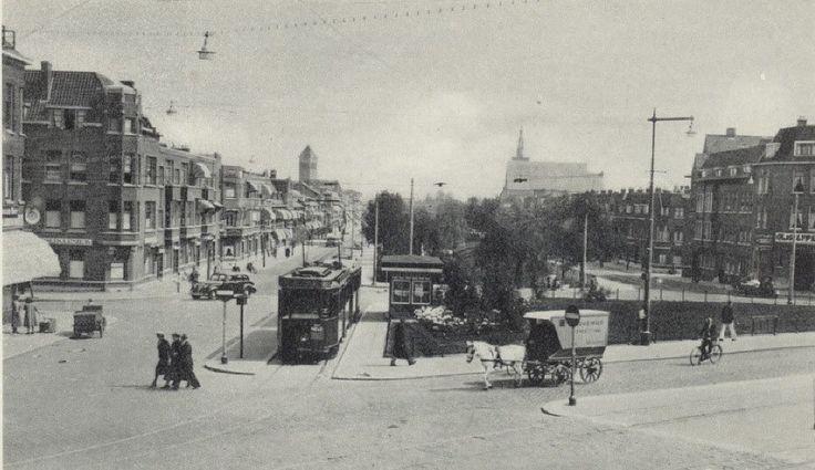 Randweg bij de Beijerlandselaan in 1933. Op de achtergrond de Breepleinkerk en…