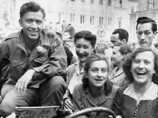 Liberazione di Bologna - 21 aprile 1945 - CAF, Fondo Camera