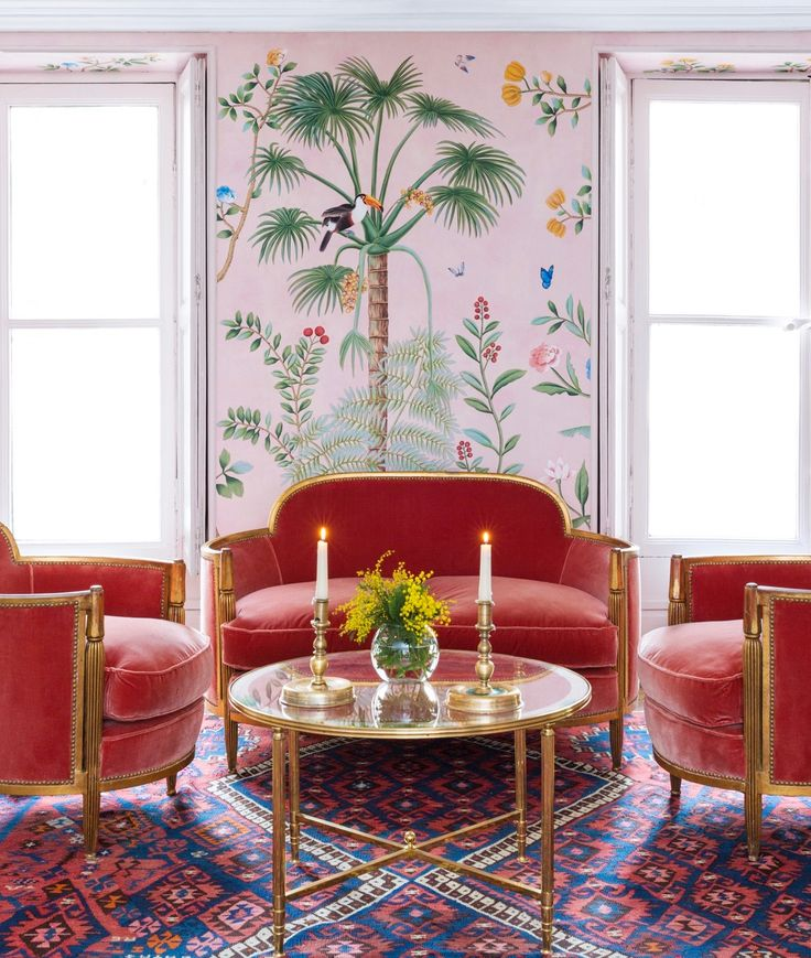 I just about died when I saw these images of the upcoming Aquazzura for de Gournay collaboration. If you are a fan of de Gournay's exquisite hand-painted wallpapers, you're going to love Aquazzura's shoes too. Available on Matches Fashion in May (I'll be sure to let you know when they've arrived), the new designsareabsolutely dreamy. …