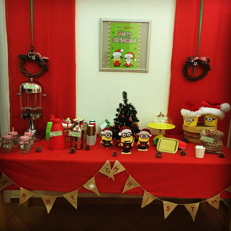 Christmas minions party