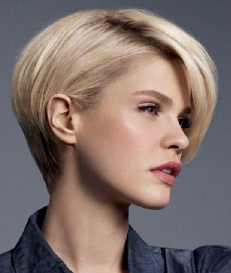 Женская причёска для коротких волос