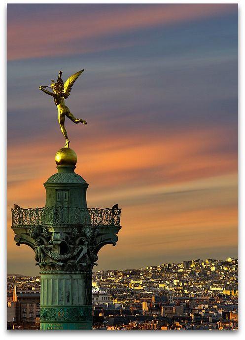 Génie de la Bastille @ Sunset  Sacré Coeur et Génie de la Bastille, Montmartre, Paris, France