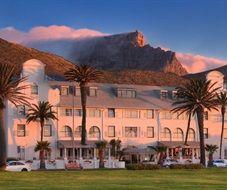 Winchester mansions Hotel in Cape Town/Kapstadt hotel  Uitzicht vanuit de hop on hop off bus tour