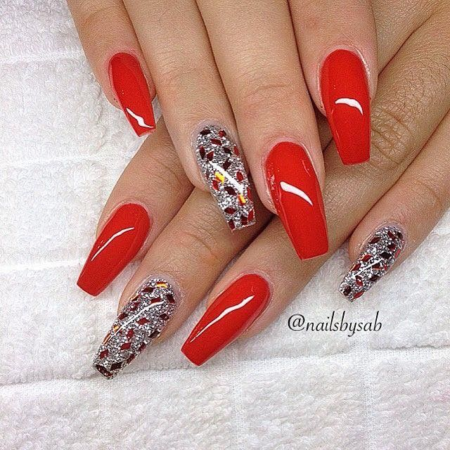 Christmas Diy Nail Ideas And More Of Our Manicures From: Red Nails With Sparkle #nails #nailart #naildesigns