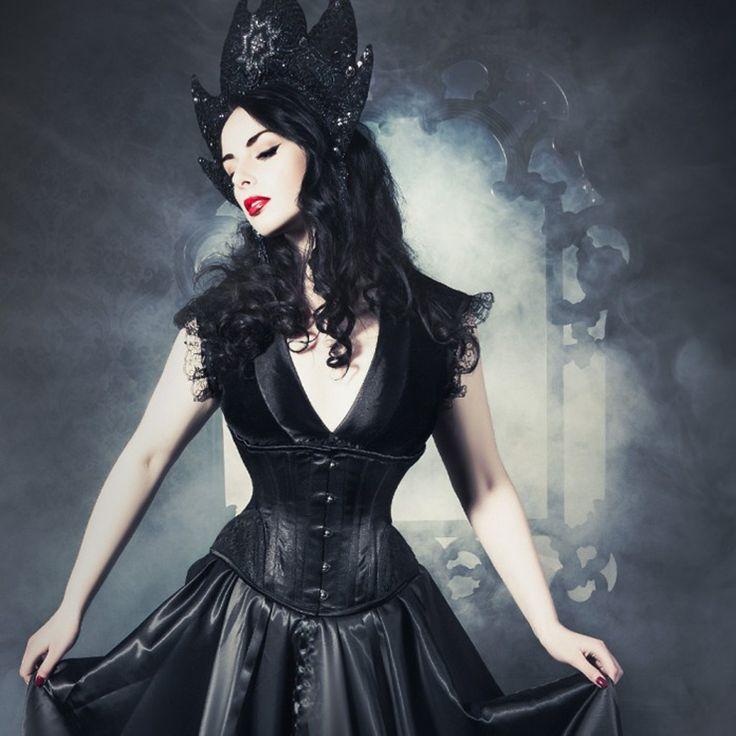 Buy #GOTHIC #UNDERBUST WAIST TRAINING #CORSET (M2134643) online at best price from Corset Dresskart.  Order Now:- http://www.corsetdresskart.com/Underbust-Corsets/Gothic-Underbust-Waist-Training-corset-M2134643