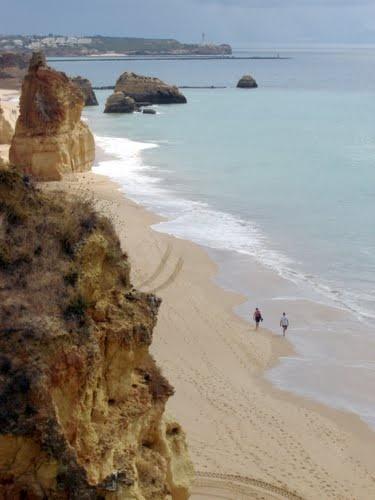 Praia da Rocha endless sandy beach and warm sea water, #Algarve, #Portugal