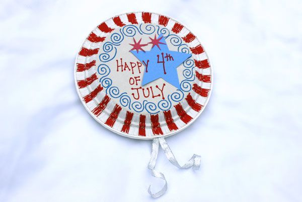 Fourth of July paper plate noise makers