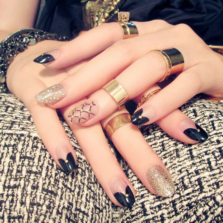 Luxe Gold Black and Champagne 24 Piece Nail Set