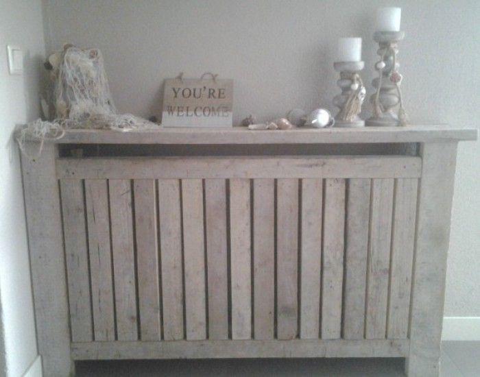 Mijn vergaarbak van leuke ideeën die ik wil toepassen in mijn huis. - kastje van steigerhout om de verwarming heen.