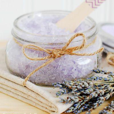 Homemade Lavender Bath Salts, I must make these for my boyfriend!