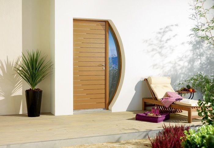 Une porte d 39 entr e contemporaine en bois mod le gobi for Repeindre une porte d entree en bois