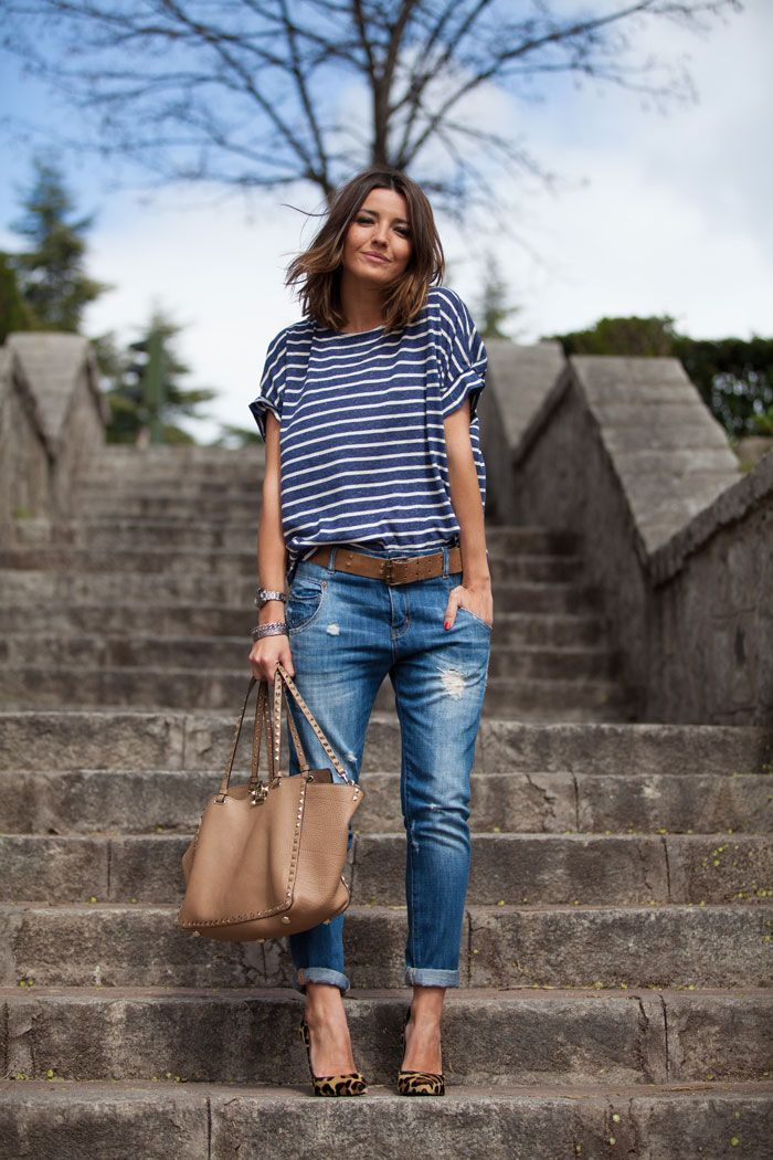 blusa listrada azul e branco com calça boyfriend jeans