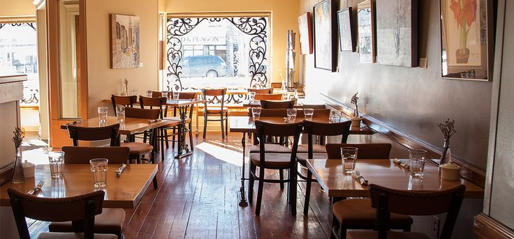 Calories Restaurant in Saskatoon is a local fine food experience for lunch, dinner, and Sunday brunch. Book your reservation on our website.