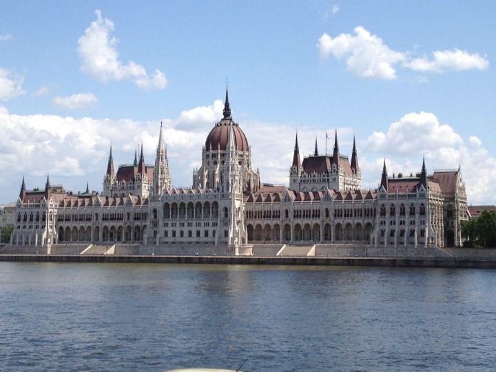 Best Hungarian Restaurant Near Parliament Building