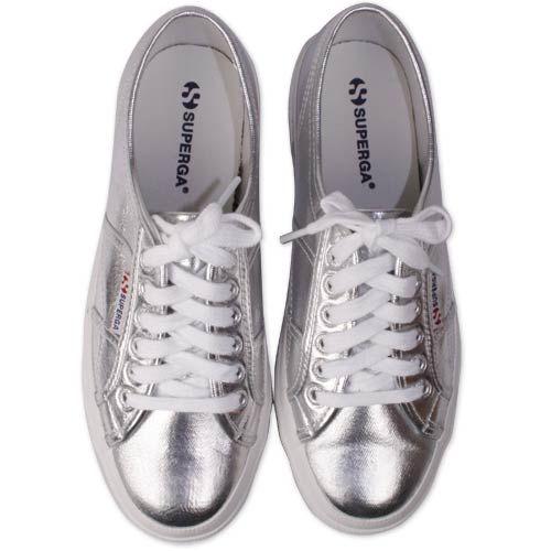 SUPERGA CLASSIC 2750-2757 GÜMÜŞ 129.90₺ YERİNE 64.90₺ Tüm dünyayı orijinal modeliyle etkisi altına alan Superga, klasik ve spor ayakkabı tasarımında öncü olmaya devam ediyor. Göz dolduran ve çarpıcı renkleriyle tüm superga modelleri online moda sitemiz ŞURA AYAKKABI' da sizleri bekliyor.