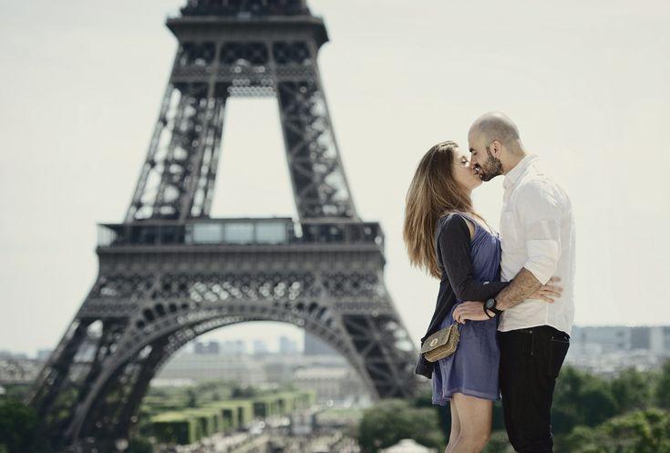 Pre wedding shoot in Paris. #portraitsessionparis #parisprewedding