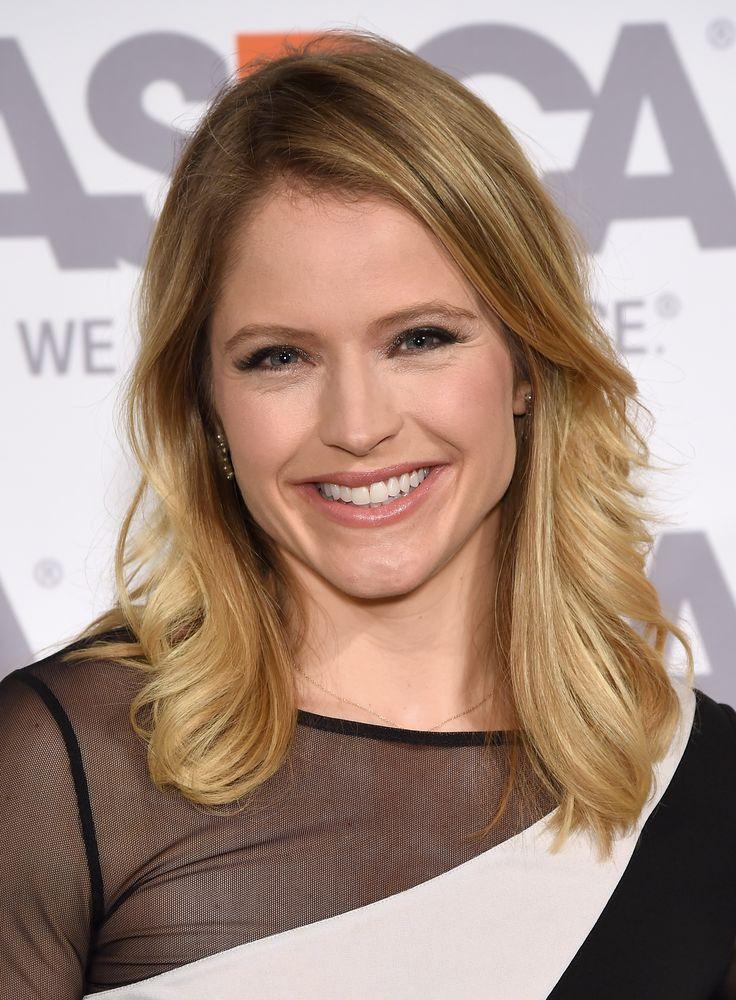 Good Morning America Correspondent Sara Haines Is