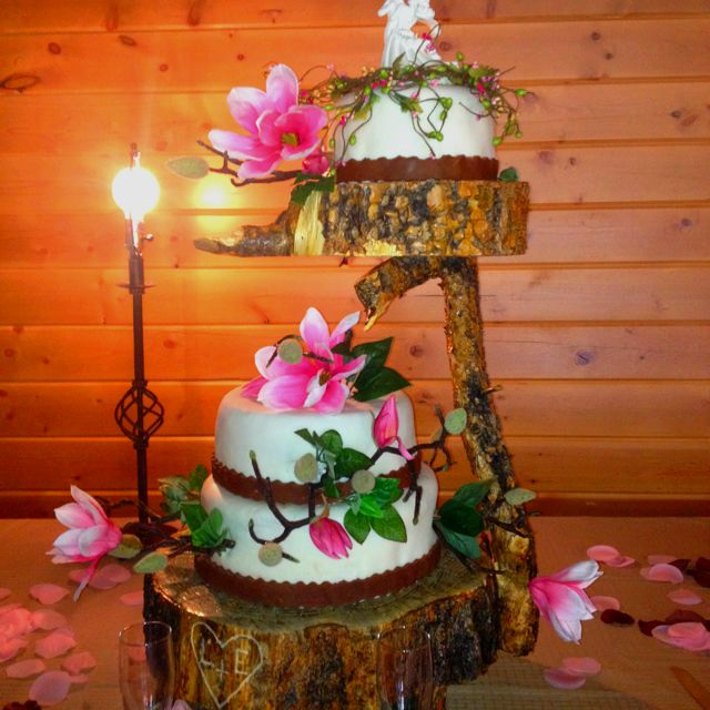 unique wedding cake stand ideas 1000 images about country wedding cakes on 21466