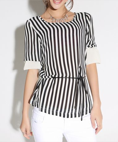 Vertical strips + sleeves + 108% fitting.