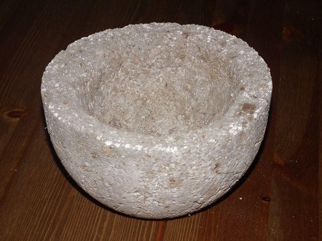 hypertufa pot, (könnyűbeton, tőzegbeton virágtartó)