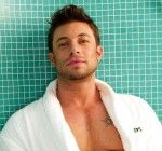 "Duncan James isn't ""Blue"" when he has a Diane Nivern facial treatment!"