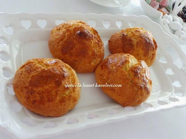 tarif annemden... nerdeyse 40 yıllık bir tarif.İzmir'imize özgü enfes bir lezzet...ağızda eriyen bir kurabiye oluyor.mutlaka tavsiye ed...