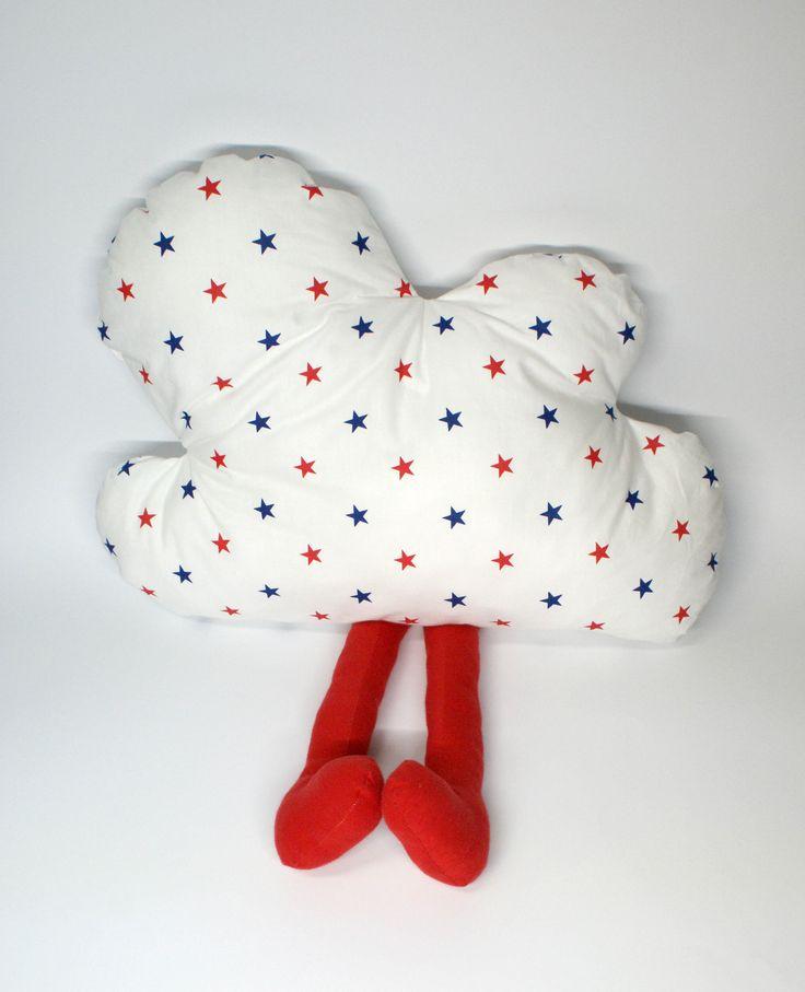 Poduszka chmurka z nogami. Wymiary: ok 33x50cm. Ręcznie wykonane. Materiał: 100% bawełna.