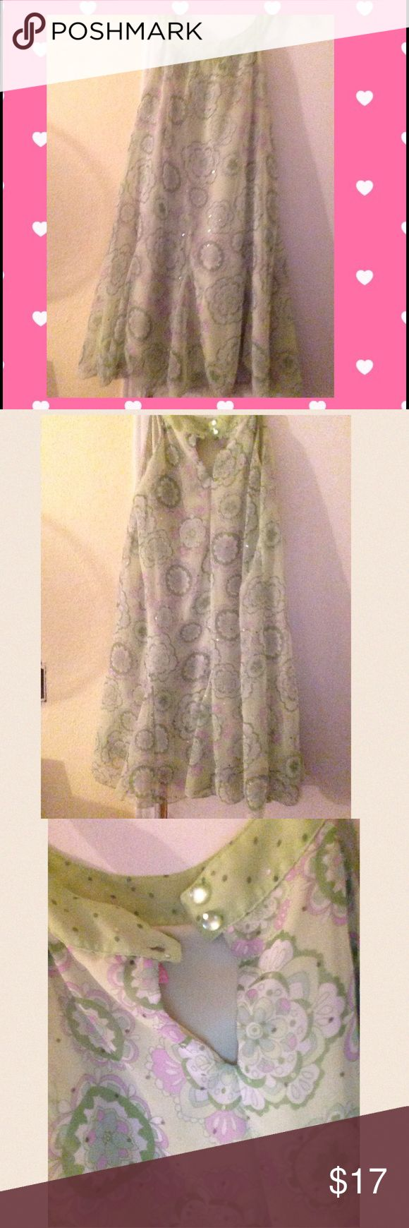 NWOT!Flowery Spring Dress 🌼🌺💃 Free feeling purple and light green dress ! Size 16 but fits several sizes because of how its designed . Latch to close at the top in the black . Little sprinkles throught dress. Super great for park parties or just going out shopping or lounging at home . ☺️ beautiful buy ! Above knee. BRAND NEW Hype Dresses Maxi