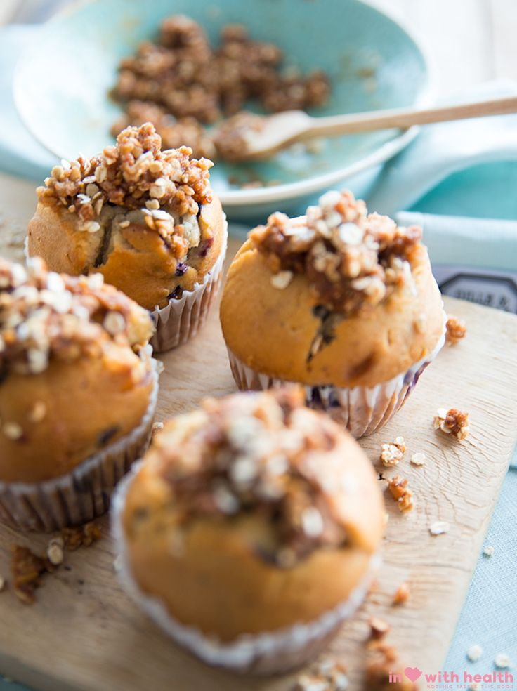 These cinnamon crumble muffins are full of healthy nutrients and you can take this as an healthy version to replace your bread. Who can say no to these cuties? Say bye bye to that sandwich:-) Visit inlovewithhealth.com for the full recipe!