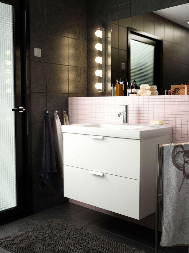 Eclairage salle de bains lequel choisir design euro for Applique salle de bain 5 ampoules