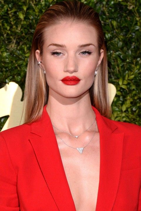Rosie Huntington-Whiteley with blonde highlights - Hair Colours