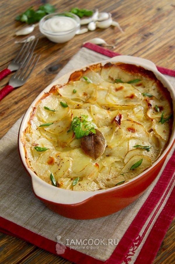 Фото картошки с майонезом и чесноком в духовке