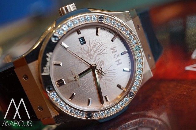 #mulpix Hublot, The Classic Fusion House of Mandela, Crafted in 18K King Gold, set with diamonds around the bezel (totalling 1.15 carats). This special edition is limited to 95 pieces – a reference to Nelson Mandela's age at the time of his death.   #watchcollector  #watch  #watchgeek  #watchporn  #womw  #wotd  #timepiece  #horology  #luxurylifestyle  #marcuswatches  #hublot  #classic  #fusion  #gold  #rose  #rosegold