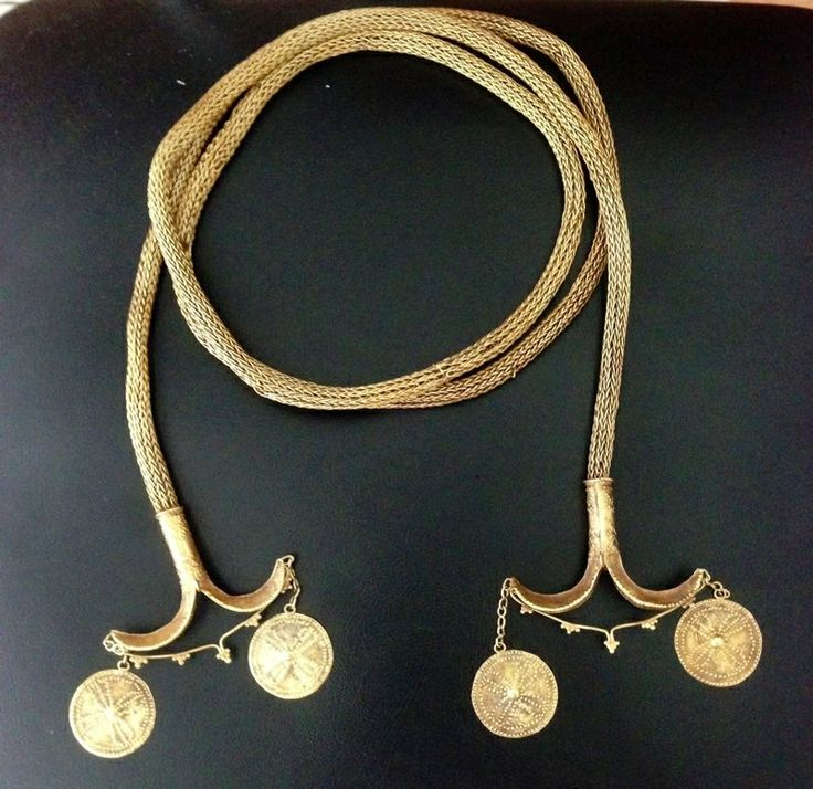 gold necklace (kanatar) of finely woven gold wire,from sumba