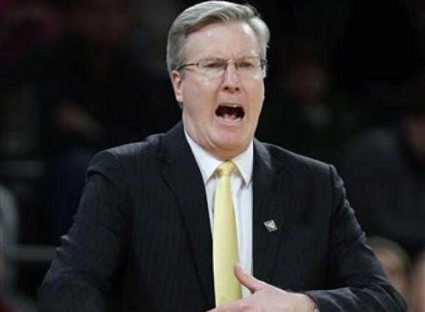 Augie, Hawkeyes to tip off hoops season in exhibition : Iowa Hawkeyes Basketball